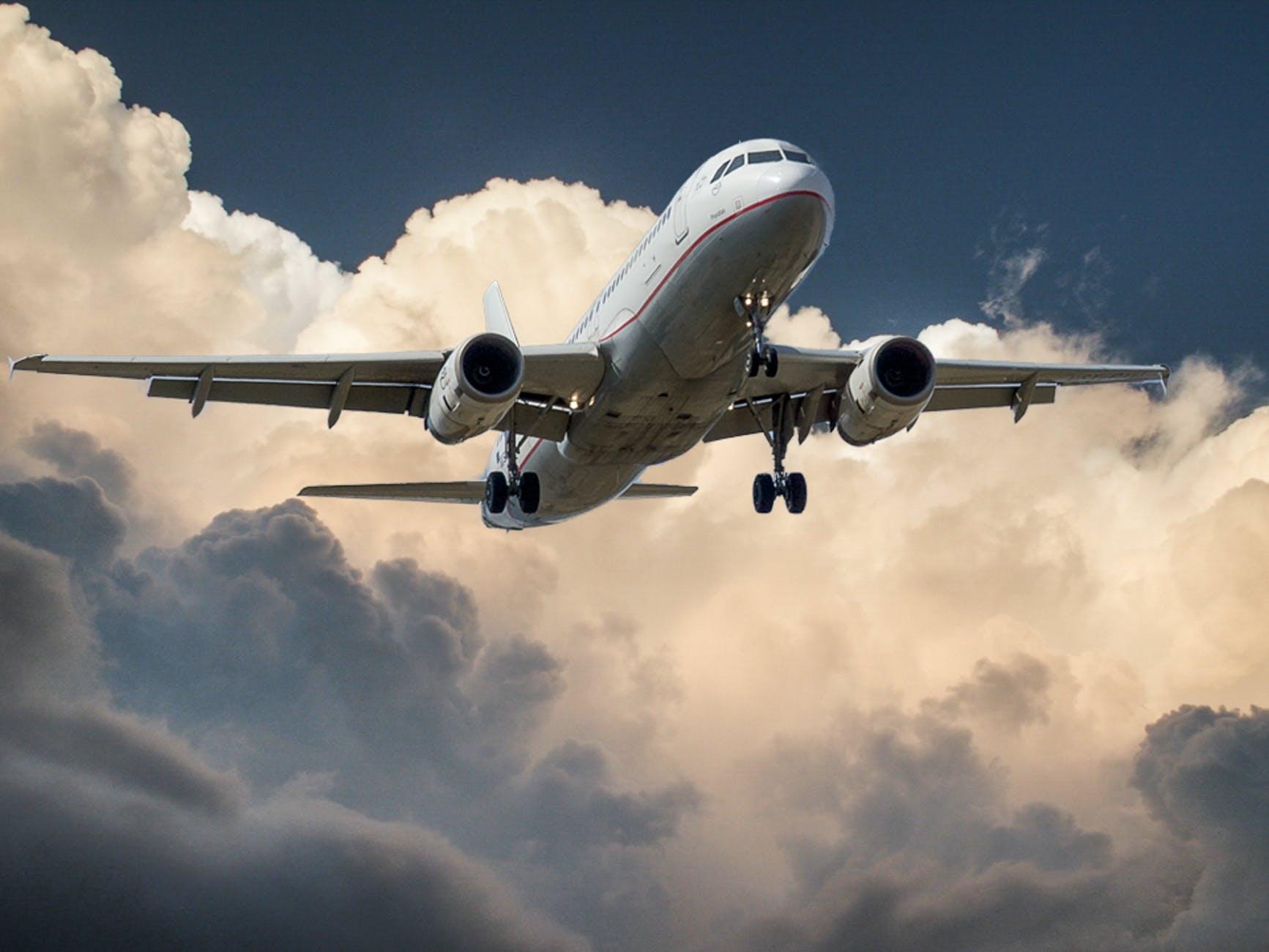 jet cloud landing aircraft