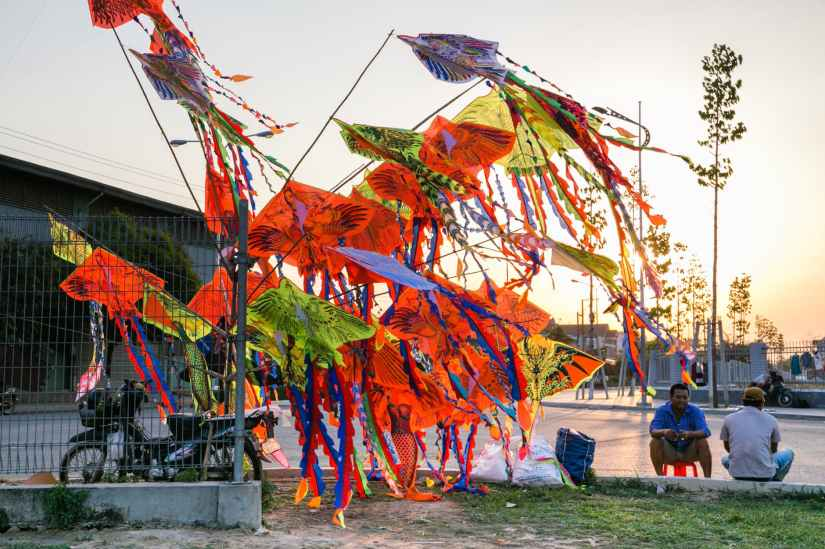 assorted color kites