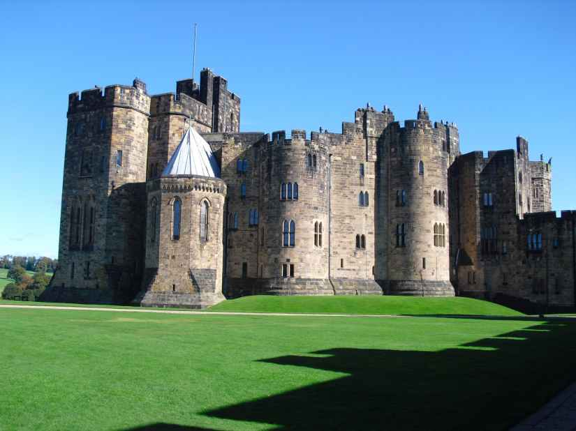 wall architecture castle england